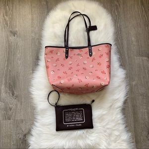 Coach Peony reversible Tote and wristlet